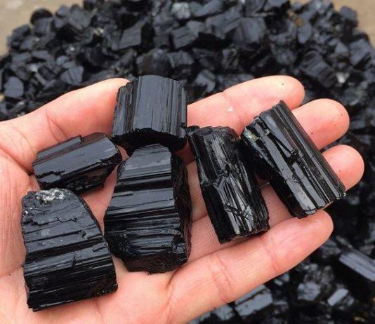 Черный Турмалин: защитный камень